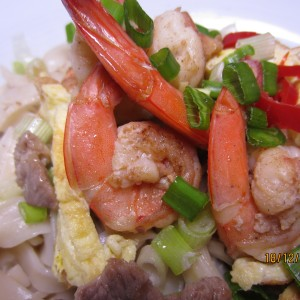 Stir-Fry White Noodles with Prawns